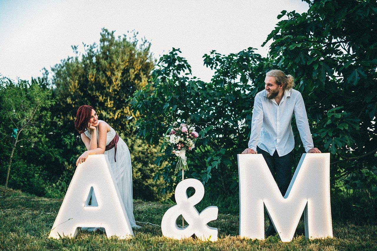 letras luminosas boda A & M