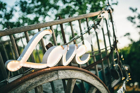 letras luminosas boda love